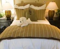 卧室装饰开玩笑豪华 免版税库存照片