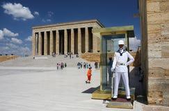 卫兵在阿塔图尔克陵墓在安卡拉,土耳其 库存照片