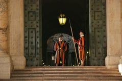 卫兵罗马教皇的瑞士 库存图片