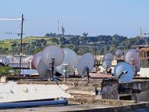卫星盘在Fes,摩洛哥 免版税库存照片