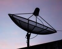 卫星盘通信 免版税库存图片