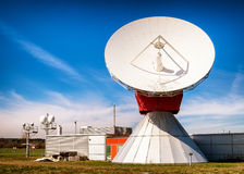 卫星盘-无线电望远镜 免版税库存图片