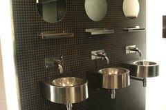 卫生间现代水槽 库存图片