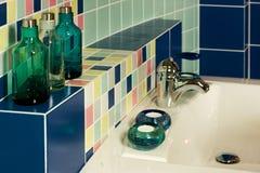 卫生间现代水槽 免版税库存图片