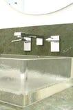 卫生间设计了豪华现代样式 免版税库存照片