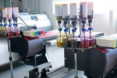 印刷业纺织品的摹写纸打印机 免版税图库摄影