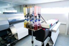 印刷业纺织品的摹写纸打印机 库存图片