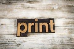印刷品在木背景的活版词 免版税库存照片