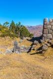 印加人废墟- Saqsaywaman,秘鲁,南美。考古学复合体,库斯科省。多角形石工的例子 库存照片