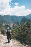 印加人足迹的,马丘比丘的探险,被参观的旅行目的地背包徒步旅行者在秘鲁 在南Ame的夏天冒险 免版税库存照片