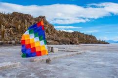 印加瓦西峰海岛在撒拉族de Uyuni 流星锤 免版税库存照片