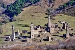 印古什,山风景石塔  库存照片