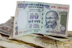印地安人取缔了货币卢比100, 500 免版税图库摄影
