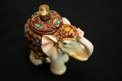 印地安人的小雕象 免版税库存图片