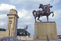 印地安人雕象在马,格兰特公园,芝加哥,伊利诺伊的 免版税库存照片