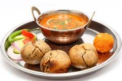 印地安人Rajasthani传统Dal Bati thali 免版税库存照片