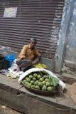 印地安供营商在市场上在迈索尔印度 库存图片