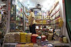 印地安供营商在新市场上,加尔各答,印度 图库摄影