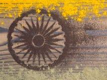 印地安咖喱和茶搽粉形式印度旗子 免版税库存图片