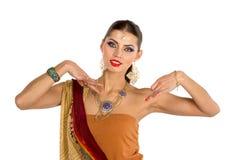 印地安女孩跳舞 免版税库存图片