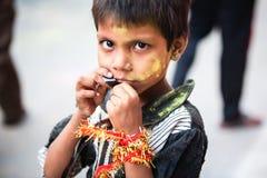印地安女孩画象人群的 免版税库存照片