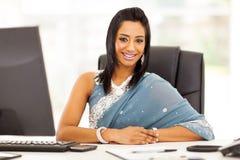 印地安女实业家莎丽服 免版税库存图片