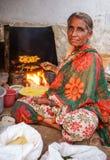 印地安女性供营商 免版税库存照片