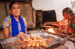 印地安女性卖主 图库摄影