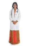 印地安女性医生的画象 免版税库存图片