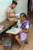 印地安妇女和米 图库摄影