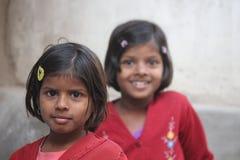 年轻印地安姐妹 免版税图库摄影