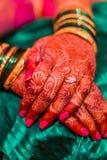 印地安婚姻传统印度手镯 免版税库存照片