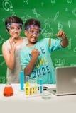 印地安孩子和科学 库存照片