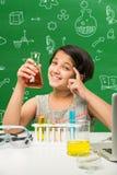 印地安孩子和科学 免版税图库摄影