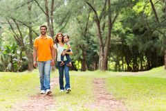 印地安家庭森林 图库摄影