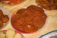 印地安快餐- chakli 与尖表面的螺旋形状,象椒盐脆饼的快餐 免版税库存图片