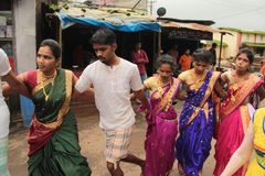 印地安村庄民间舞马戏团 图库摄影