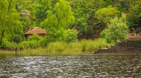 印地安村庄的偏僻的水管 免版税库存照片