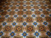 印地安样式样式被镶嵌的大理石地板在拉贾斯坦,印度的老宫殿 免版税库存照片
