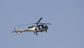 印地安海岸警备队抢救直升机 免版税库存照片