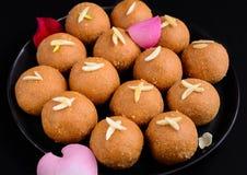 印地安甜Besan Ladoo 免版税库存照片