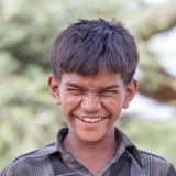 印地安男孩参加了每年普斯赫卡尔骆驼Mela 免版税库存图片