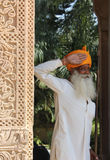 印地安监护人在旅馆里 库存照片