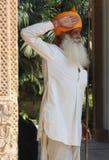印地安监护人在旅馆里 免版税库存图片