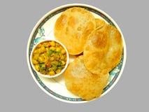 印地安盘-普里和sabji 免版税图库摄影