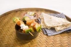 印地安盘Kathi Kebab或混合大豆、Chees & Mushr Masla盘  免版税库存图片