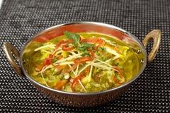 印地安盘tarka dal, Daal咖喱,传统印地安食物 库存图片