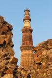 印地安纪念碑minar的Qutub 免版税库存图片