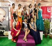 印地安美好的时装模特儿在阶段 免版税图库摄影