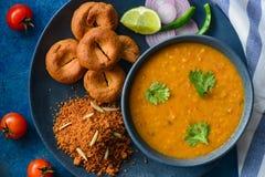 印地安膳食Dal baati churma 库存照片
